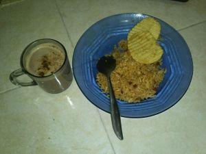 Nasi Goreng dan Susu Coklat buatan Mas Akib